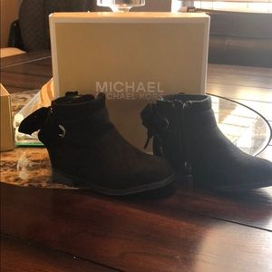 Michael Kors toddler boots size 6